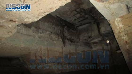 Bản mặt cầu cảng bị vỡ lộ cốt thép han gì- Cảng Vedan Đồng Nai